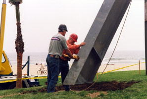 Installation photography<BR>Mark di Suvero, Declaration